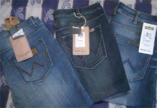 மொபைல் போன் பேசுவதில்லை; ஜீன்ஸ் அணிவதில்லை: உ.பி., கிராம மாணவியர் அதிரடி முடிவு,Village woman decide won't wear Jeans, don't use mobile