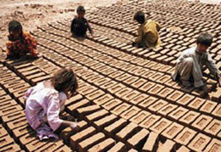 பதினான்கு வயதுக்கு உட்பட்ட சிறுவர்களை வேலையில் அமர்த்தினால் மூன்று ஆண்டு சிறை,Govt nod to complete ban on employing k