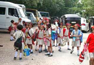 Rs 17 Lakh, for kindergarten seat in Tamil Nadu, எல்.கே.ஜி., சீட்டுக்காக ரூ. 17 லட்சம் மதிப்பிலான கூடைப்பந்து மைதானம்: எங்கே செல்கிறது கல்வி?