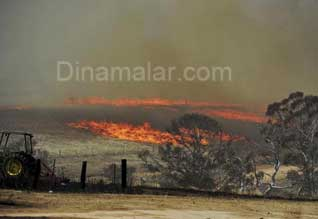 Wildfires rage across Australia,ஆஸி.,யில் வீடுகள் தீ பற்றி எரிந்தன!
