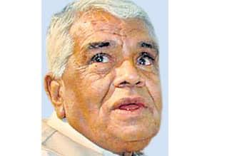 பெண்கள் ஜீன்ஸ் அணிவது நல்லதல்ல : ம.பி., - பா.ஜ., தலைவர் புது கருத்து,Women aping foreign culture is not good for India: Babulal Gaur