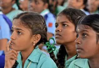 தமிழகத்தில் குறைந்து வரும் பெண் குழந்தை எண்ணிக்கை :  1000 ஆண்களுக்கு, 900 பெண்கள்.,No of Girl childs in tamil nadu decreased