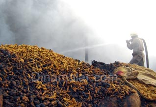 குடோனில் தீ விபத்து: ரூ.50 லட்சம்  மஞ்சள் எரிந்து நாசம்