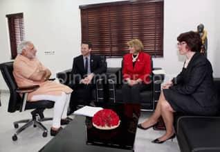 Gujarat Chief Minister Narendra Modi meets US delegates