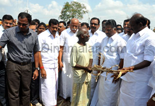 7 Ministers inspect drought situation in Nellai dist.,