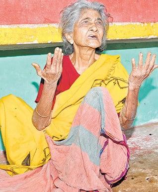 மறக்கப்பட்ட மகனின் உறவு : அனாதையான மூதாட்டி