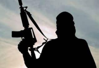 அல் - குவைதா அமைப்புடன் தொடர்புடைய 4 பேர் மதுரையில்  சிக்கினர்:  பிரதமர் உட்பட 22 தலைவர்களை கொல்ல சதி செய்ததாக தகவல்