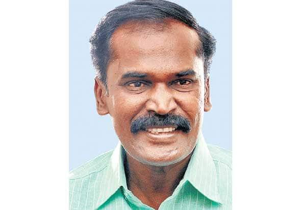 'பாதஜோதிட'ரான 'ஹலோ' கந்தசாமி