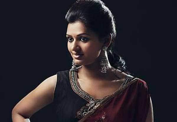 நான் சின்ன சிம்ரன் - தாரைதப்பட்டை நடிகை ஆனந்தி