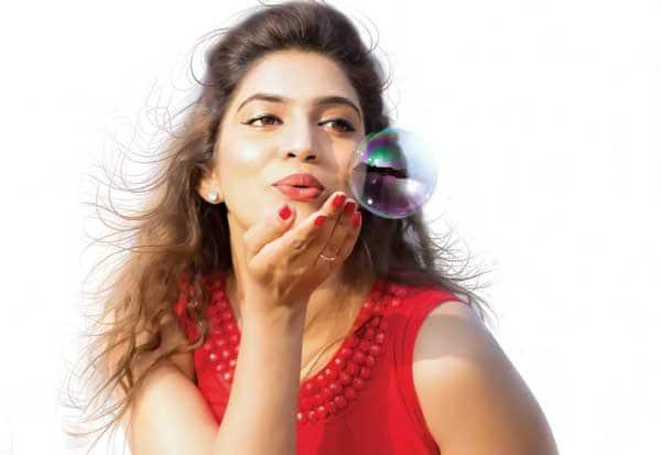 அரசியலில் குதிக்க ஆசை - நடிகை சமீரா ஷெரீப்