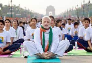 நரேந்திர மோடி, Narendra modi, மோடி,  Modi,  யோகா, Yoga,    புதுடில்லி, Delhi,  பிரதமர் நரேந்திர மோடி, Prime minister Modi, மத்திய அரசு, Central government, சர்வதேச யோகா தினம், International yoga day, முதல்வர் யோகி ஆதித்யநாத்,Chief Minister Yogi AdityaNath, உள்துறை அமைச்சர் ராஜ்நாத் சிங்,, Home Minister Rajnath Singh, அமைச்சர் வெங்கையா நாயுடு, Minister Venkaiah Naidu, வெளியுறவு துறை அமைச்சர் சுஷ்மா சுவராஜ், External Affairs Minister Sushma Swaraj