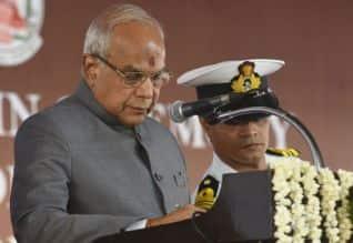 தமிழக அரசு, கவர்னர், பன்வாரிலால் புரோஹித், அரசியல், சட்டம்
