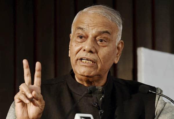 ரூபாய் நோட்டு வாபஸ்,demonetization, துக்ளக்,Tughlaq, பிரதமர் மோடி, Prime Minister Modi,யஷ்வந்த் சின்ஹா, Yashwant Sinha,பா.ஜ., BJP, பொருளாதார இழப்பு, economic loss,  ஜனநாயகம், democracy,முகமது பின் துக்ளக், Mohammed bin Tughluq, வேலைவாய்ப்பின்மை, unemployment,