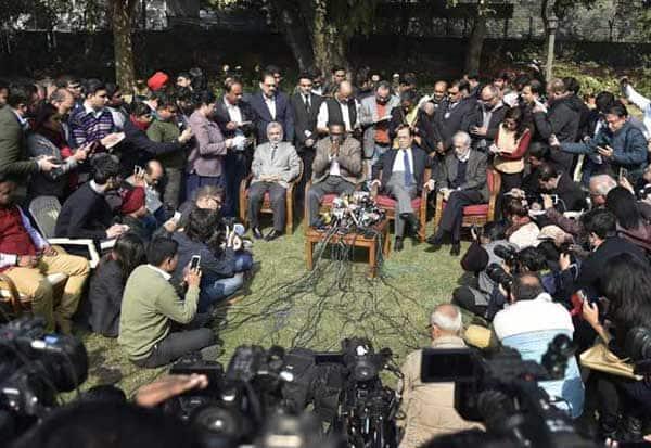 சுப்ரீம் கோர்ட், Supreme Court,ஜனநாயகம்,democracy, ராகுல்,Rahul,  முன்னாள் சட்ட அமைச்சர் அஸ்வினி குமார் , Former Law Minister Ashwani Kumar,முன்னாள் சட்ட அமைச்சர் பரத்வாஜ்,former Law Minister Bharadwaj,  மேற்கு வங்க முதல்வர் மம்தா,West Bengal Chief Minister Mamata,  சீதாராம் யெச்சூரி,Sitaram Yechury,   டி.ராஜா,T Raja,  நீதிபதி கங்குலி,Justice Ganguly,  நீதிபதி புகார்,  Judge Complaint, எதிர்க்கட்சிகள், Opposition,காங்கிரஸ், Congress,கம்யூனிஸ்ட், Communist,