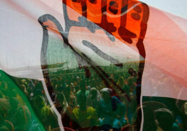 கவர்னர் முடிவுக்கு எதிராக உச்சநீதிமன்ற தலைமை நீதிபதியிடம் முறையிட காங். முடிவு