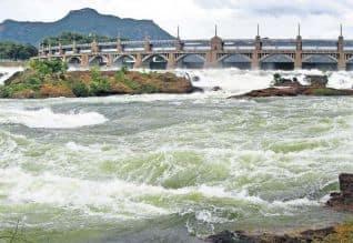 அதிகபட்ச,நீர் திறப்பு,காவிரி,ஆற்றில்,பெருக்கெடுத்த,கடும் வெள்ளம்