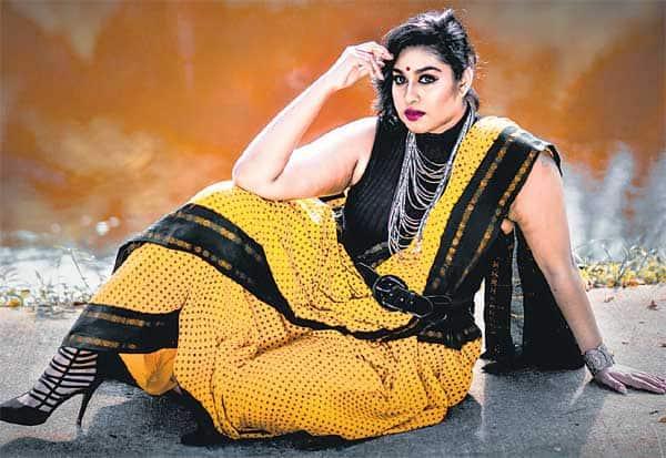 சிங்கப்பூரில் தீபாவளி : நடிகை சஜினி