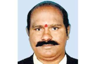 http://img.dinamalar.com/data/largenew/Tamil_News_large_807024.jpg