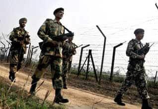 'Militants planning to boost their numbers in Valley before polls'எல்லையில் பயங்கரவாதிகள் குவிப்பு ; ராணுவம் தீவிர கண்காணிப்பு