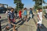ரயில் மோதியதில் பலரை காணவில்லை : உள்ளூர் மக்கள் ஆவேச போராட்டம்