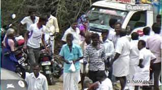 மனுதாக்கலுக்கு 200 ரூபாய் அன்பளிப்பு