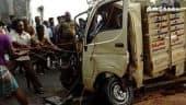 டேங்கர் லாரி மீது மினி லாரி மோதல் : ஒருவர் பலி