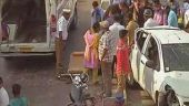 சென்னையில் கார் கவிழ்ந்து விபத்து: 3 பேர் காயம்