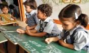 ஆண்டில் 42 நாட்கள் மட்டுமே கல்வி போதிக்கும் ஆசிரியர்கள்