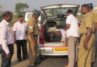 Tamilnadu Election News: கண்காணிப்பை மீறி பணம் கொண்டு செல்ல கட்சிகள் வியூகம்: சோதனையை தீவிரப்படுத்தியது தேர்தல் கமிஷன்