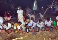 விதவை கோலத்தில் பெண்கள் வினோத பொங்கல் திருவிழா