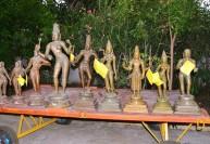 கைப்பற்றப்பட்ட 9 சிலைகள் பாதுகாப்பு மையத்தில் ஒப்படைப்பு