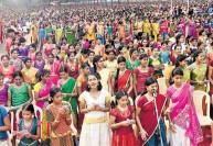 10 ஆயிரம் பேர் பாடிய 'பாரதிய கானத்தான்' : எம்.எஸ்.சுப்புலட்சுமிக்கு அர்ப்பணம்