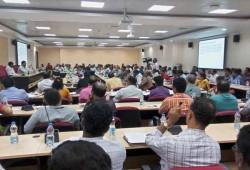 உஷாரய்யா உஷாரு   மழையை சமாளிக்க வியூகம் வகுக்கிறது மாநகராட்சி தயார் நிலையில் இருக்க 38 துறைகளுக்கு எச்சரிக்கை