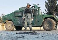 ஆப்கனில் பயங்கரவாதிகள் தாக்குதல் : 7 மாணவர்கள் உட்பட 12 பேர் பலி