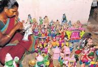 நவராத்திரி கொலு நெருங்குகிறது:தயாராகும் மண் பொம்மைகள்