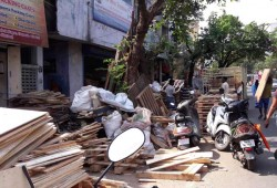 ஆக்கிரமிப்பால் சென்னையில் நடைபாதைகள்... இருக்கு... ஆனா இல்லை!  நிரந்தர தீர்வை எதிர்பார்க்கும் பொதுமக்கள்