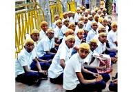 10ம் வகுப்பு மாணவர்கள் பழநியில் மொட்டை