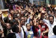 ரேஷன் பிரச்னையால் மக்கள் கொதிப்பு : ஆர்.கே.நகரில் அமைச்சர்கள் தவிப்பு