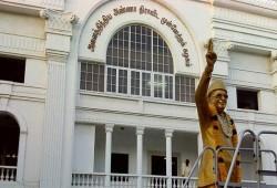 மனு கொடுக்க ஆளில்லை : அமைச்சர்கள் ஏமாற்றம்