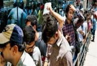 பாகுபலி - 2 டிக்கெட் வாங்க 3 கி.மீ., காத்திருந்த ரசிகர்கள்