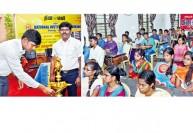 போட்டித் தேர்வுக்கு தனித்திறன்கள் அவசியம் : கமிஷனர் சந்தீப் நந்தூரி அறிவுறுத்தல்