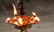 திருவிளக்கை குளிரச் செய்யும் முறை!
