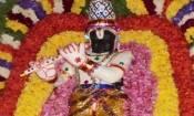 தேவி மாரியம்மன் கோவிலில் கிருஷ்ணருக்கு வெண்ணெய்