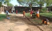 நீத்தீஸ்வரர் கோவிலில் பக்தர்கள் உழவாரப்பணி