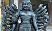 ஒரே கல்லில் 20 கைகளுடன் பெருமாள் சிலை