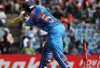 1st ODI: Pakistan beat India by six wickets சென்னை ஒரு நாள் போட்டியில் இந்தியா திணறல் ; பாகிஸ்தான் வீரர்கள் பந்து வீச்சில் பலர் போல்டு