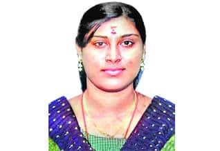 """""""ஆசிட்' வீச்சுக்கு ஆளான வினோதினி சிகிச்சை பலனின்றி மரணம்,Acid attack victim Vinodhini succumbs"""