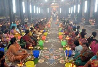Govt ban thiruvilakku pooja and latcharchanai in temples கோவில்களில் திருவிளக்கு பூஜை நடத்த தடை