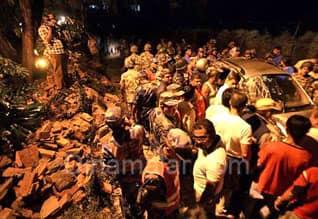 Earthquake hits Sikkim ; 40 Dead,வட  மாநிலங்களில் கடுமையான நிலநடுக்கம்: குழந்தை உட்பட 18 பேர் பலி