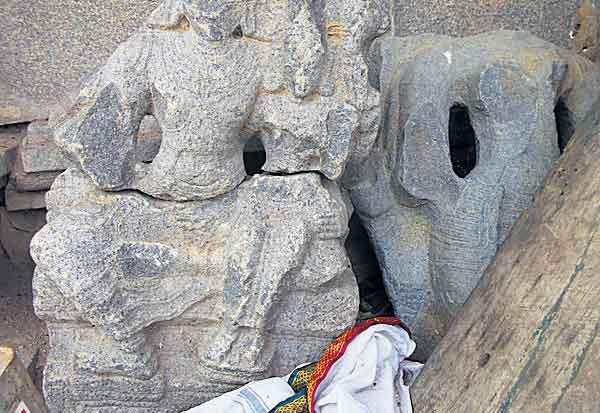 11ம் நூற்றாண்டு கேசவரம் கோவில் பாதுகாக்குமா தொல்லியல் துறை?